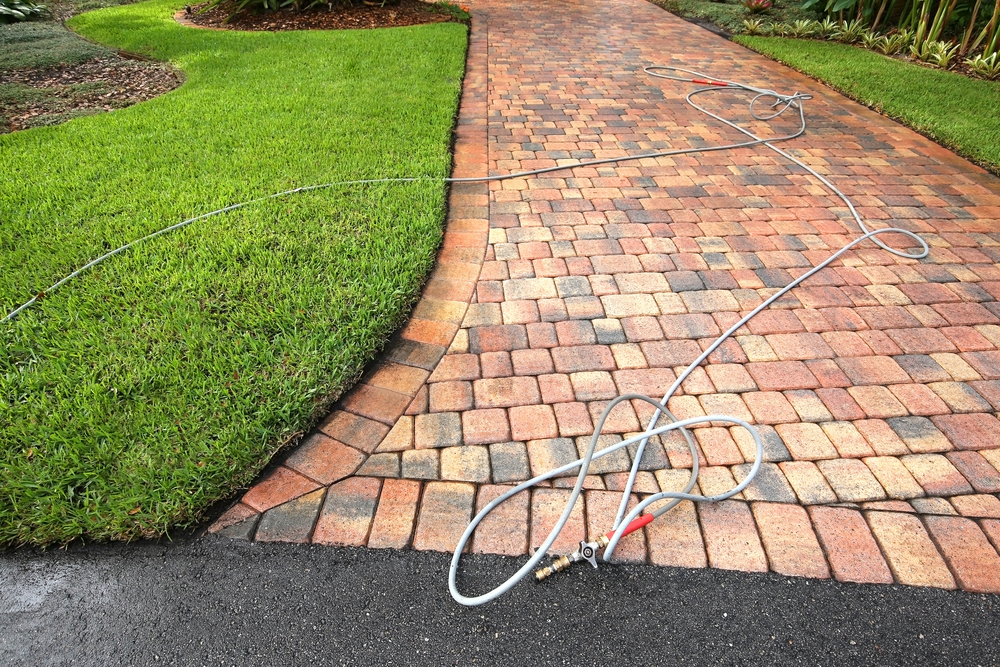 How to Maintain Your Newly Paved Driveway